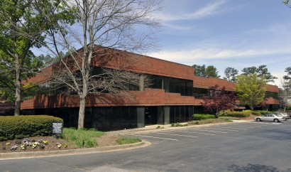 Phoenix Business Campus – 1669 Phoenix Pkwy